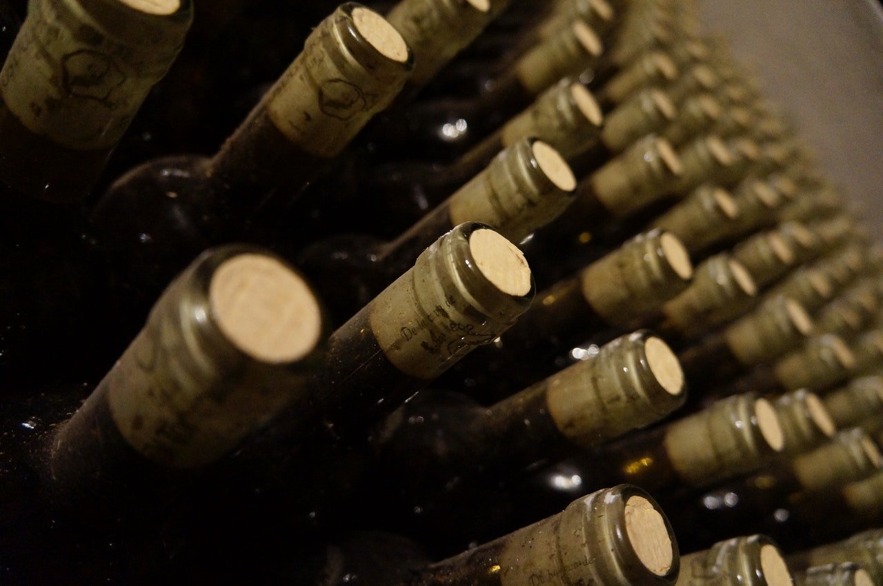 how to store wine properly