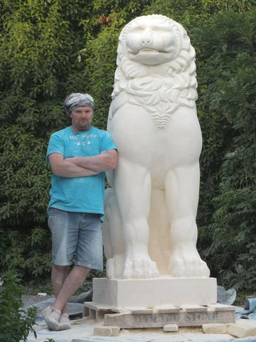 lion of chaeronea replica, lion sculpure, greek lion