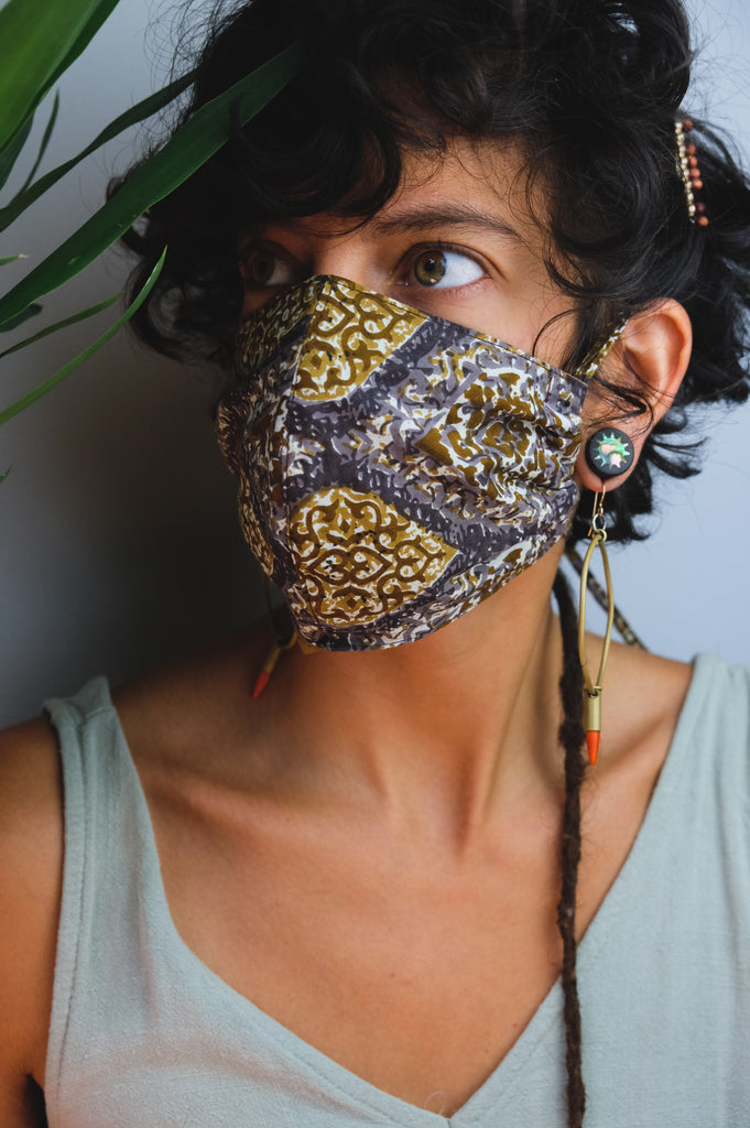Gray Ochre Diamond Mask