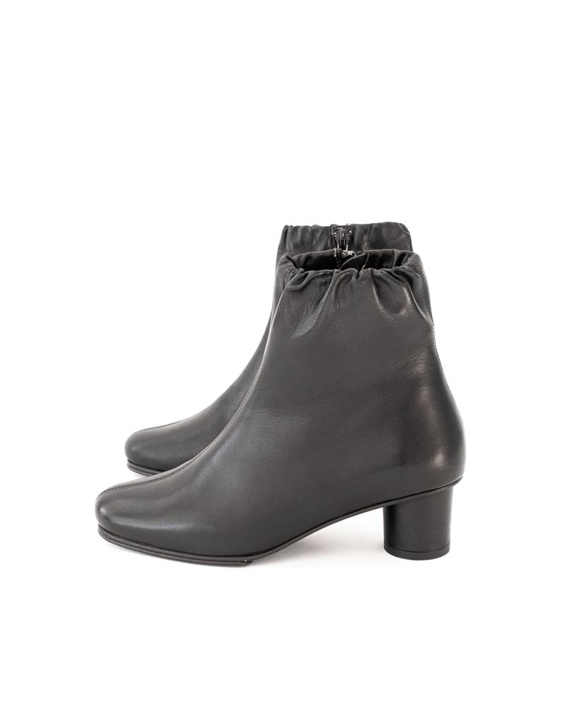 Jeanne Boots in Black