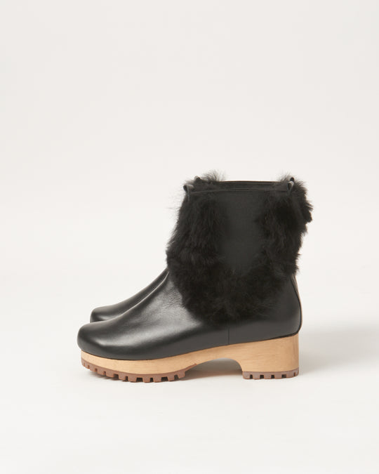 Low Clog Boot in Black