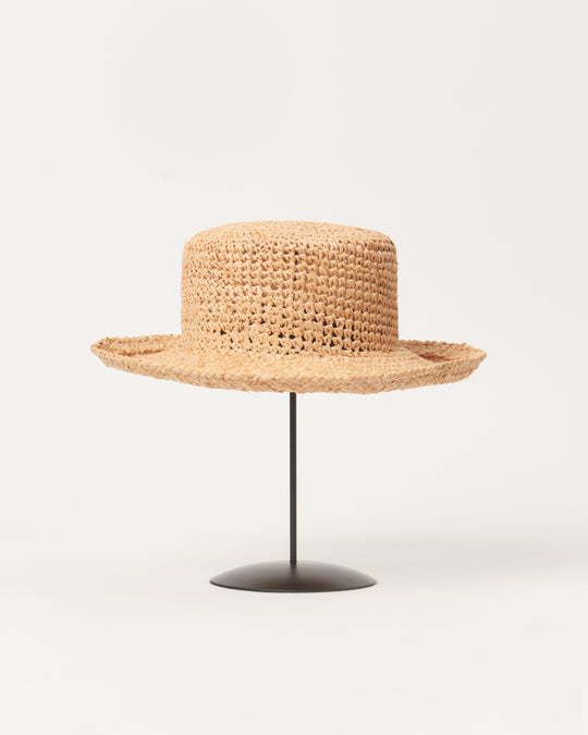 Saturna Hat in Crocheted Raffia