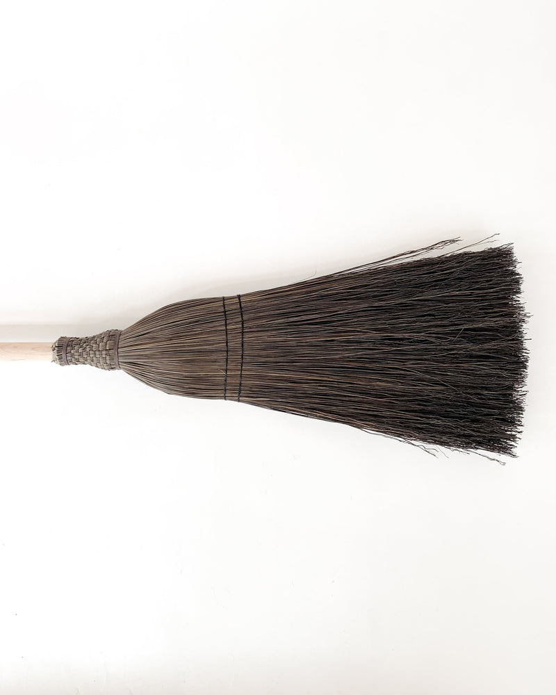 Flannery Broom in Black and Maple