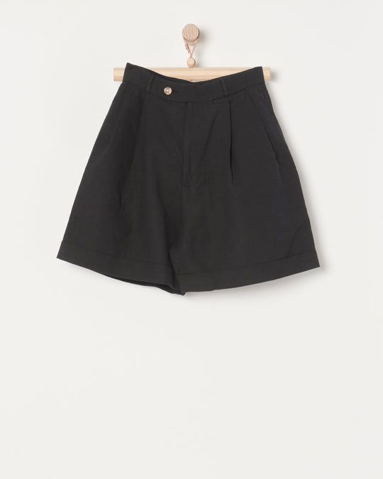 Pleated Short in Black