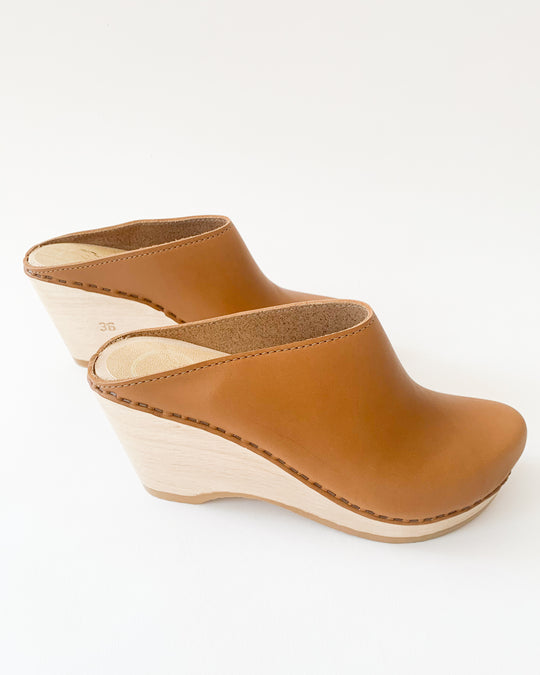 New School Clog in Palomino