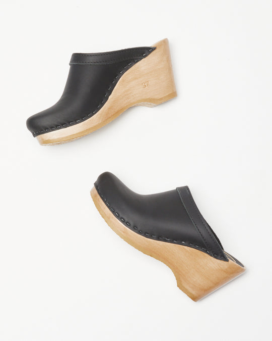 New School Clog Wedge in Black