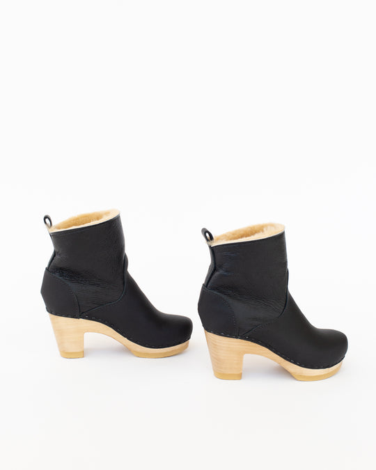 Shearling Clog Boot in Ink Aviator High