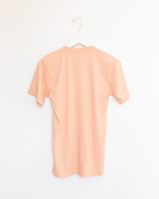 El Futuro Es Femeninx T-Shirt in Peach