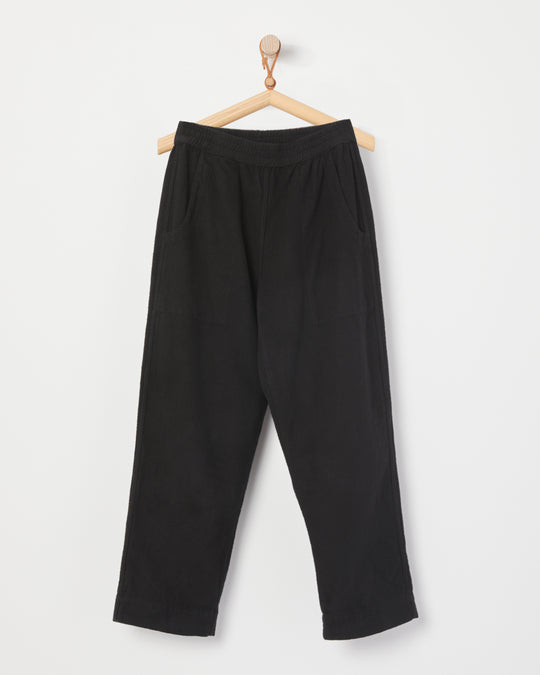 Sara Pant in Black