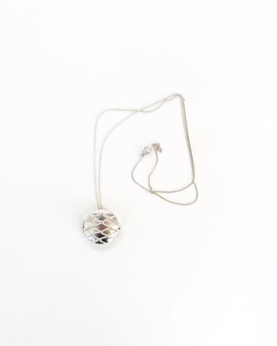 Netted Round Locket in Silver