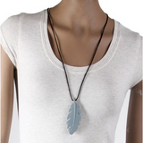 TEETHER: FEATHER NECKLACE
