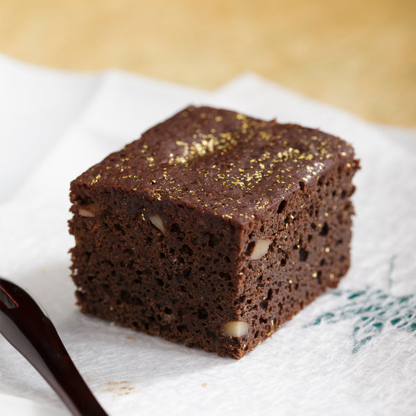 chocolate cake - create this look - edible artisan gold leaf stardust - Original Artisan Gold