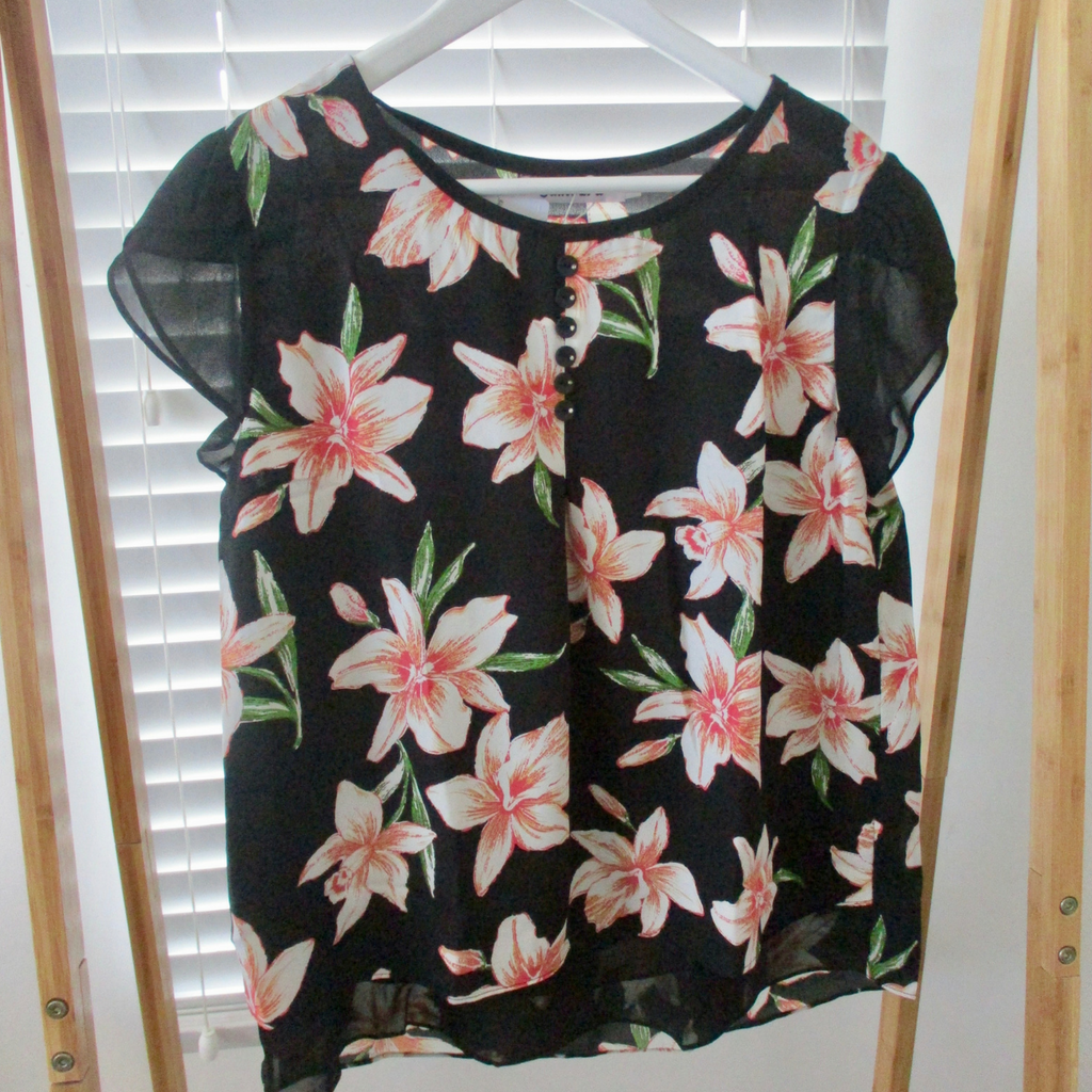 Black Lily Top