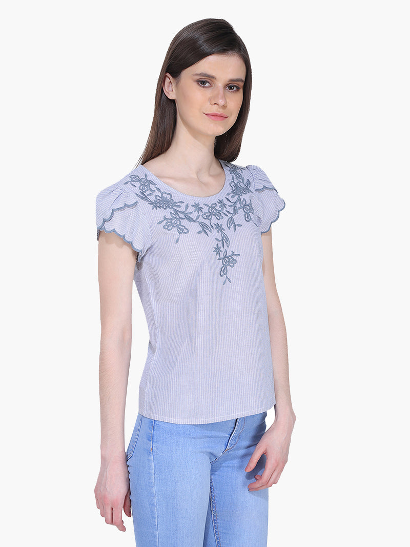Zuwi Blue and White Embroidered Woman Top - MissGudi