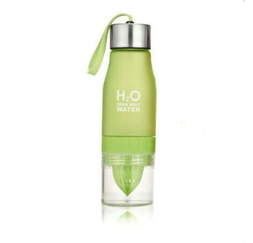 "Bouteille Presse Agrumes ""H2O Drink More Water"" - 7 coloris disponibles"