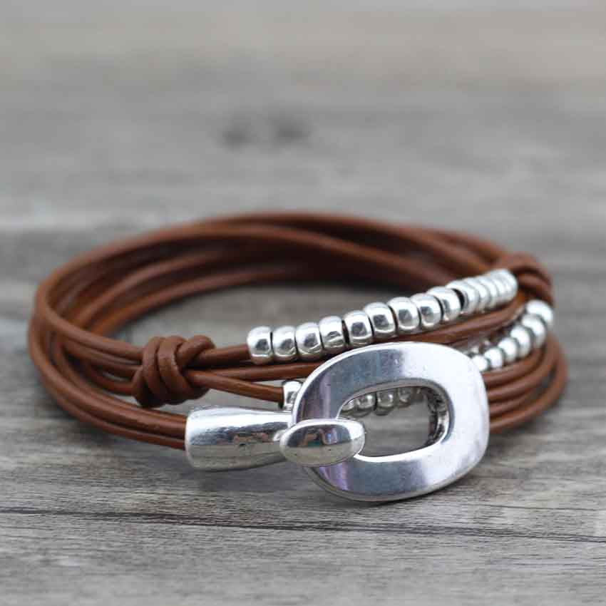 "Bracelet Wrap Vintage en Cuir ""Perfect Style"" - coloris café clair 2"