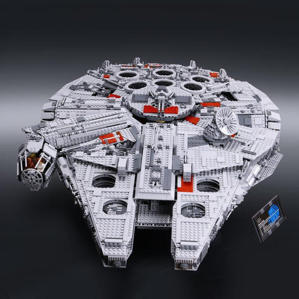 Star Wars Millennium Falcon set