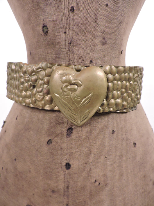 ANTIQUE FLAPPER 1920'S EMBOSSED GOLD METAL BELT WITH HEART SHAPED FRONT 1