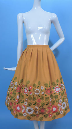 LARGE SIZE 1970'S RICH EMBROIDERED FULL SKIRT W DENSE FLORALS