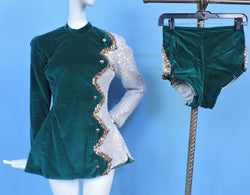 VINTAGE COSTUME 1950'S MAJORETTE / DANCE 2 PC SEQUIN SUIT