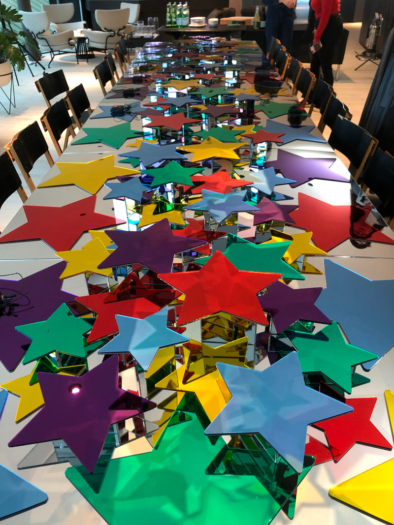Table set with coloured stars