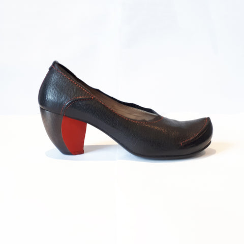 TN-29 ARCHIVE | Black & Red Heel