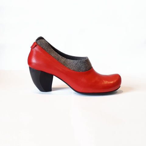TN-29 ARCHIVE | Grey & Red Heel