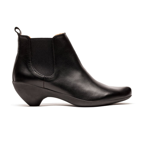 Black leather rubber mid heel cycle womens