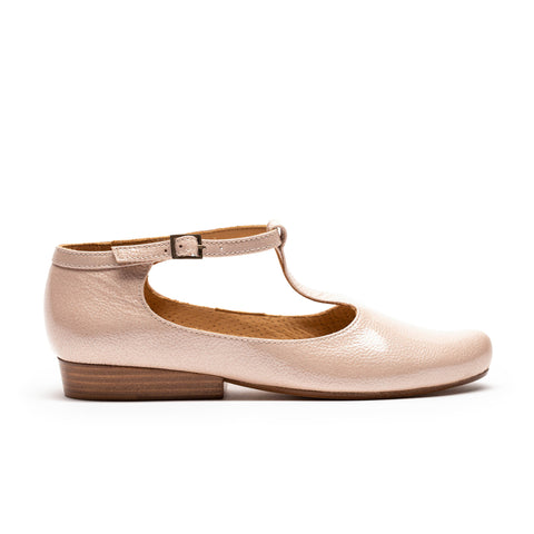 Women's flat leather pump with leather sole by designer tracey neuls