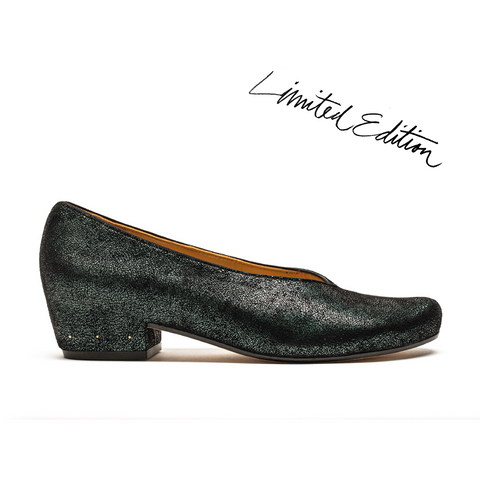 shiny green leather slip on pumps by designer tracey neuls