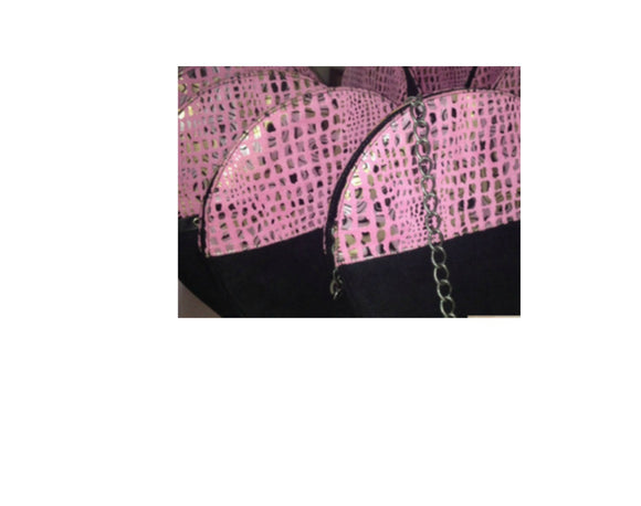 Designer-inspired handbags and clutch purses from www.andreaandme.com