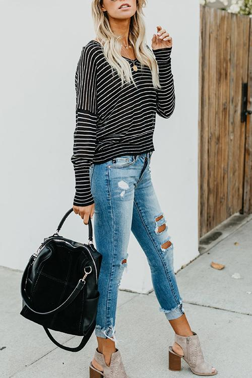 Contrast Stripe V-neck Bat Long Sleeve Top