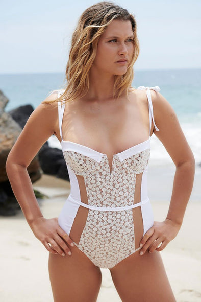 Celeb Lace Mesh Panel Underwire One Piece Swimsuit