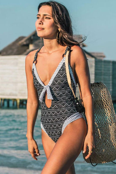 LOW BACK KNOTTED FRONT ZIGZAG PRINTED ONE PIECE SWIMSUIT