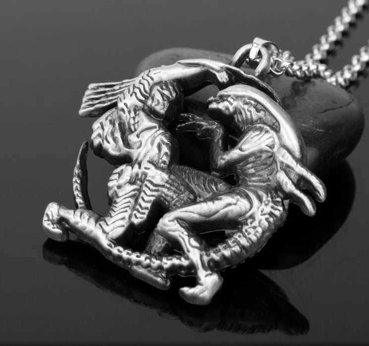 Alien vs Predator Necklace - TrippyKitty