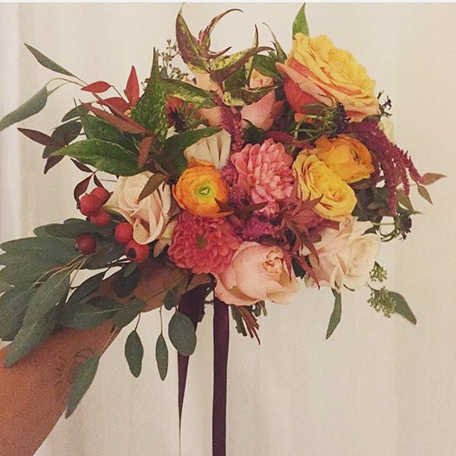 ALWAYS SO INSPIRED BY @AURORABOTANICA'S BEAUTIFUL BOTANICAL CREATIONS WHEN LOOKING TO MAKE OUR OWN BOUQUETS WE'RE GOING TO TRY TO RECREATE THIS AUTUMNAL BEAUTY! #ORGANIC #FLORALDESIGN #NATURALBEAUTY #FLASHBACKFRIDAY #FRIDAY #ORGANICDESIGN #AUTUMN #BOUQUET