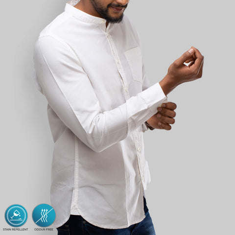 oxford white cotton shirt with long sleeves, hydrophobic finish makes it water-based stain repellent and odour free from Turms