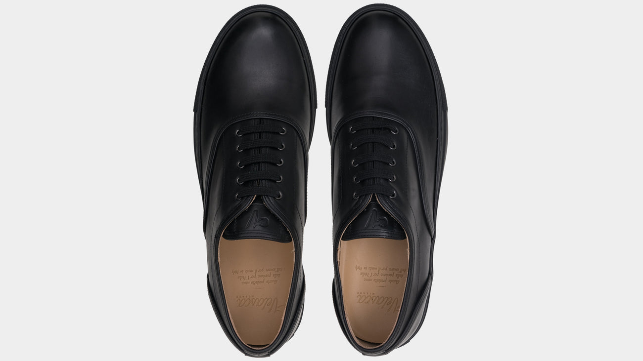 Velasca Caramelat Black Full grain leather
