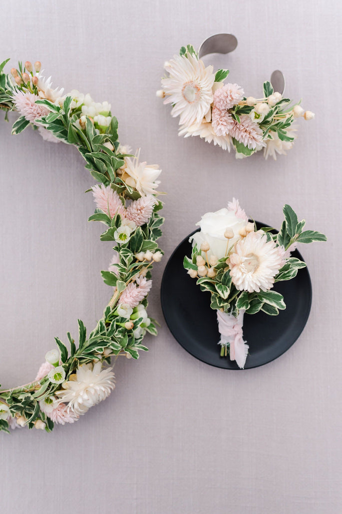 Getting Personal: The Dish on Corsages, Boutonnieres & Wreaths