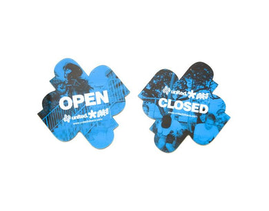 United Open/Closed Sign