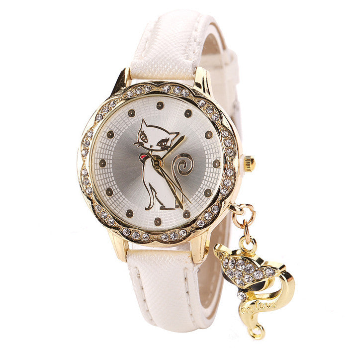 Faux Diamond Fashioned Cat Wristwatch with Pendant