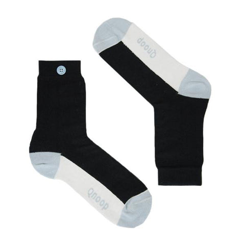 Qnoop vertical ankle stripe black socks organic cotton