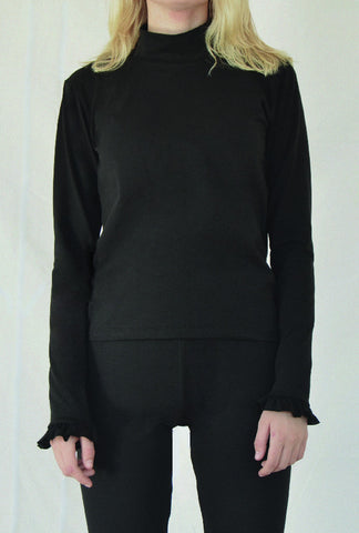 By Signe High neck ruffle longsleeve black