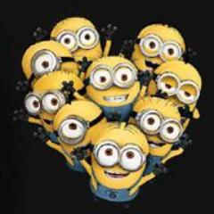 T-Shirt - Minions - Cattivissimo Me - Group Heart (Donna)