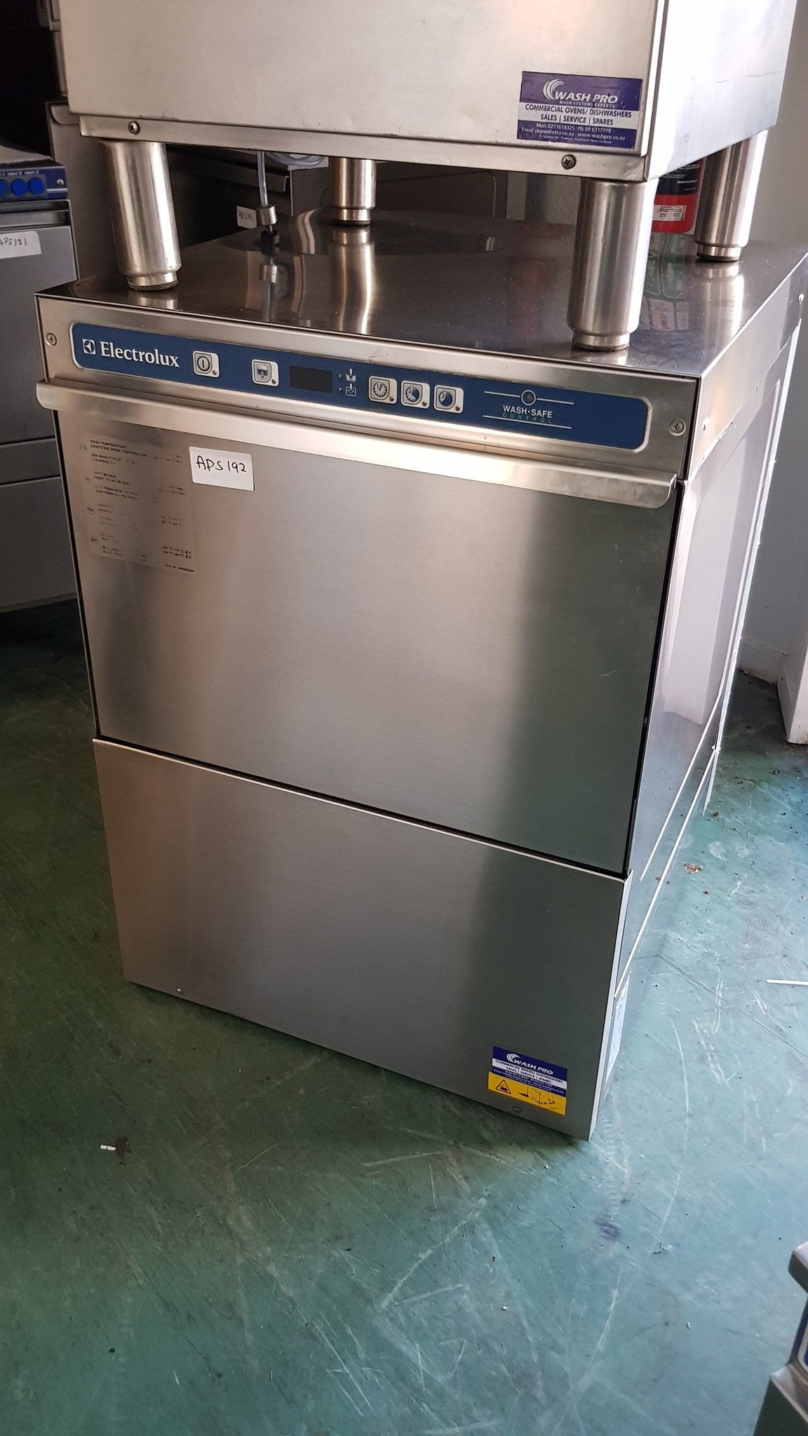APS192 Electrolux undercounted Commercial dishwasher with Warranty  in Excellent condition - Washpro