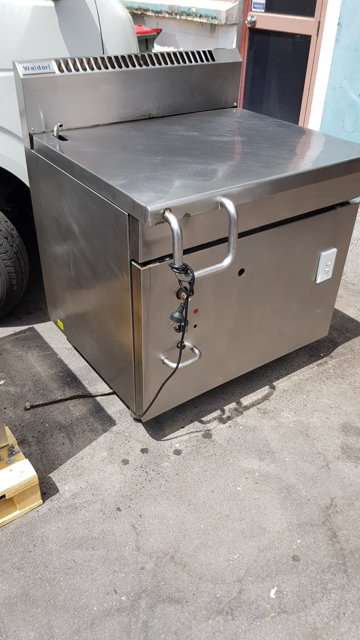 APS004 Walldorf 80 Leter Self tilting Brat pan LPG Gas - Washpro