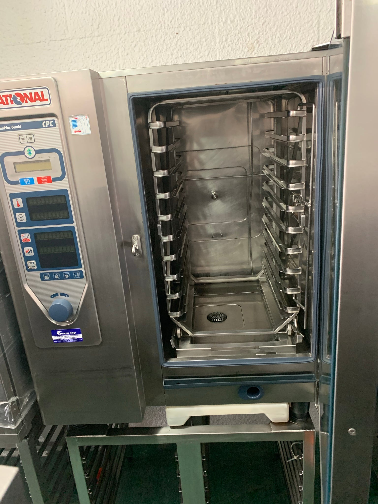 APS302 RATIONAL CPC 101 SELF CLEANING 10 TRAY COMMERCIAL COMBI OVEN WITH STAND AND WARRANTY - Washpro