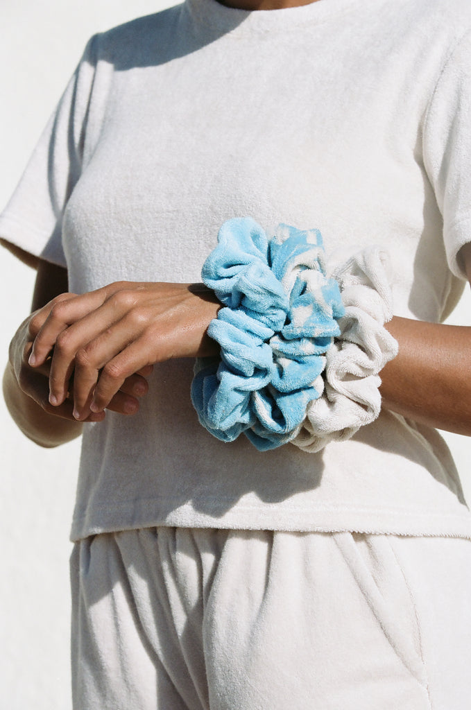 Terry Scrunchie (Sand Dollar)