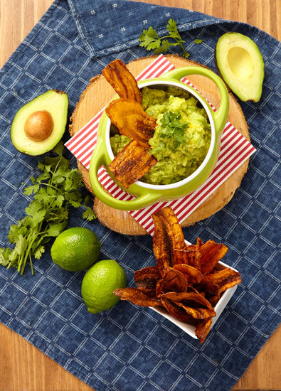 MANGO WITH GUACAMOLE AND CARROTS' CHIPS