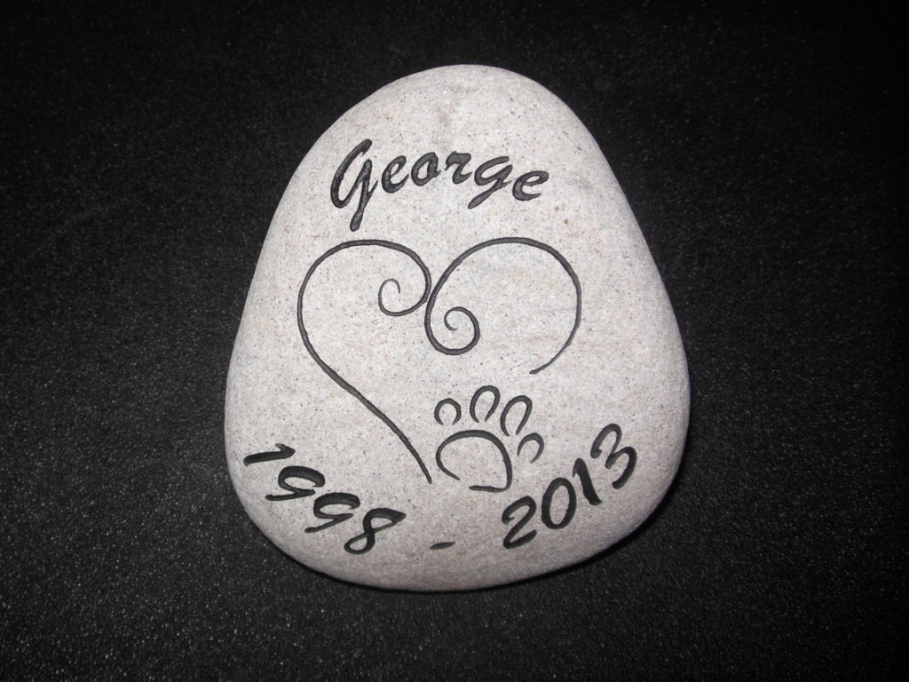 "Personalized Pet Memorial Grave Marker Headstone Engraved Garden Stone River Rock Heart Paw Headstone 6"" - 7""    - GR2RX3064"